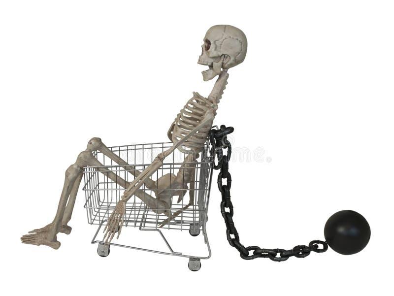 Carro de la compra con el esqueleto con la bola y la cadena fotos de archivo