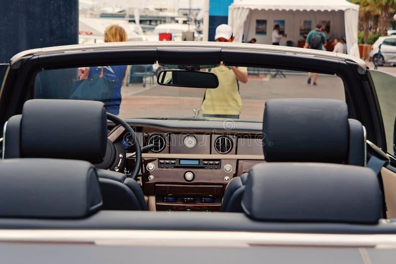 Carro de motor Rolls royce Phantom Drophead Coupe fotos de stock