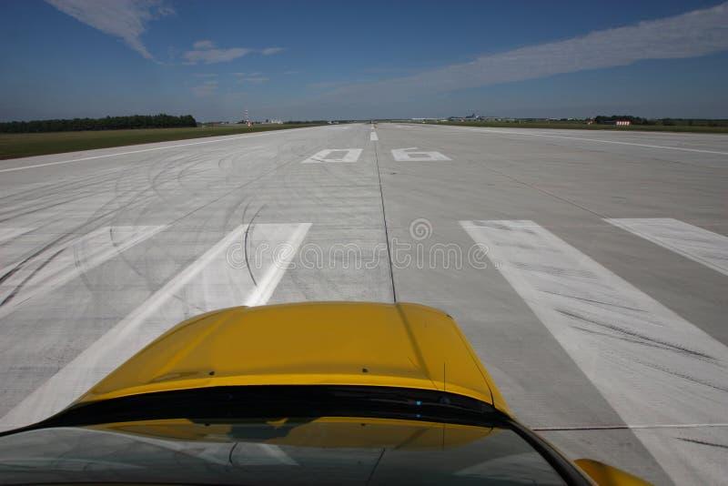 Download Pista de decolagem foto de stock. Imagem de vista, runway - 29826540