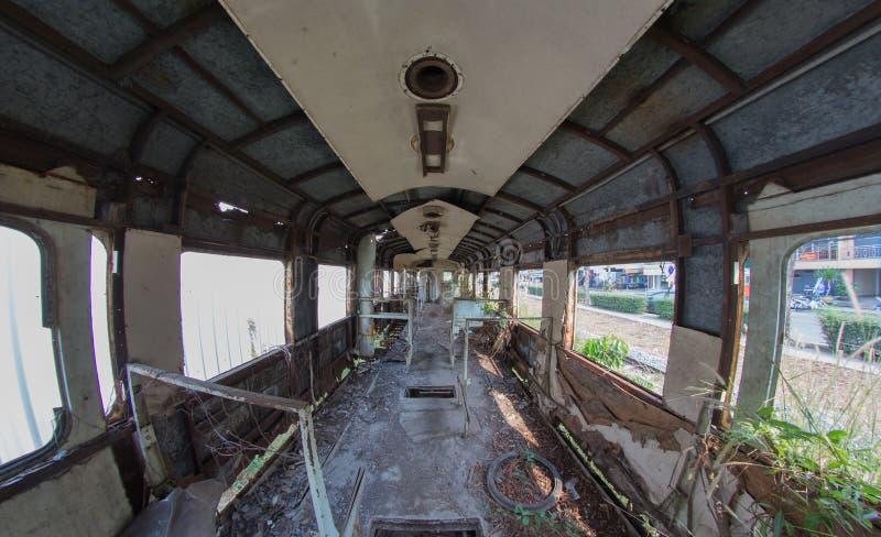 Carro de trem abandonado em Tailândia fotografia de stock