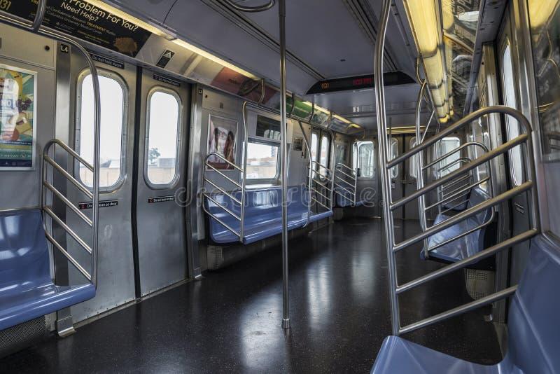Carro de trem no metro de New York City, New York City, EUA imagem de stock