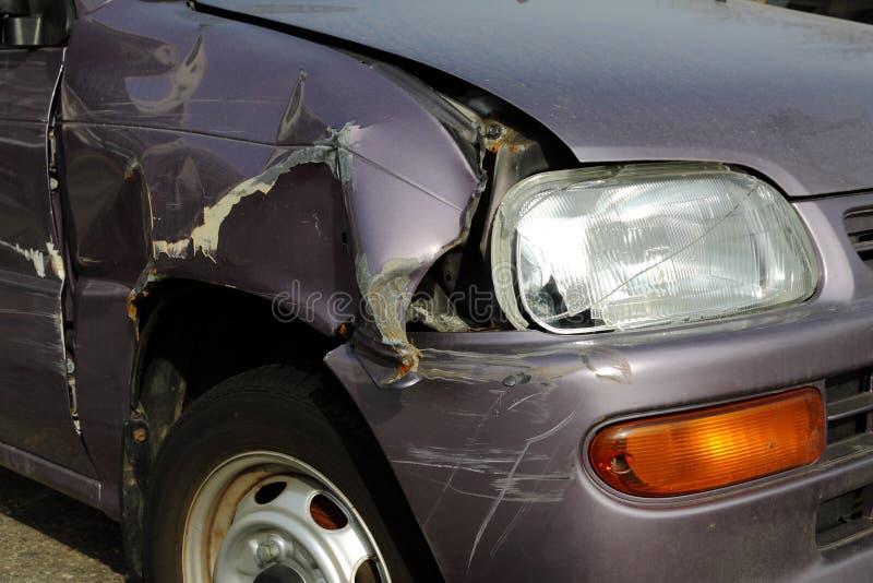 Carro deixado de funcionar na rua foto de stock royalty free