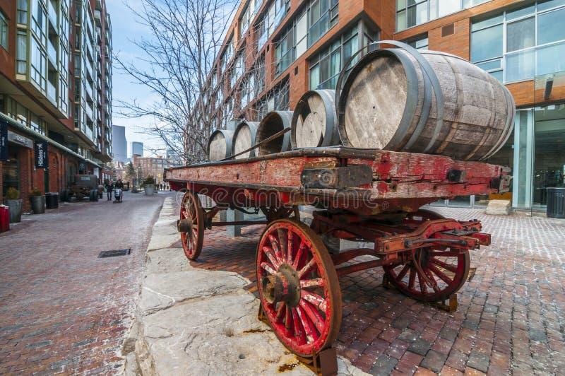 Carro del barril: Dist de la destilería. Toronto Canadá imágenes de archivo libres de regalías