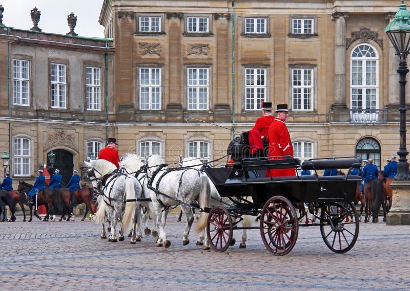 Carro del caballo durante los guardias que cambian ceremonia imágenes de archivo libres de regalías