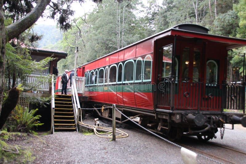 Carro del tren de la corriente de Strahan imagen de archivo