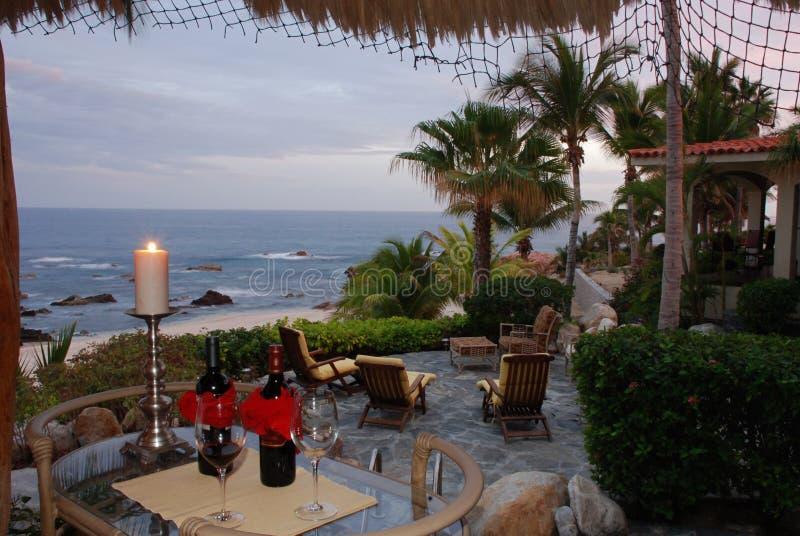 Carro del vino en la playa Baja california foto de archivo