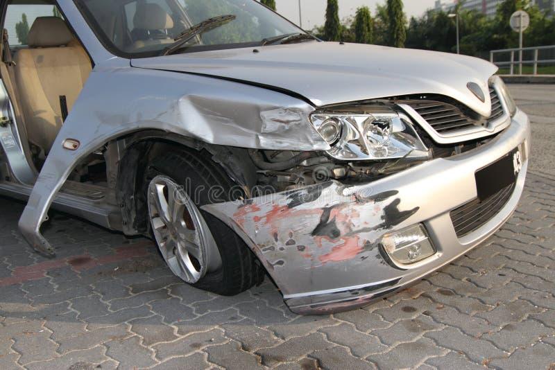 Carro destruído foto de stock