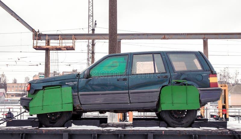 Carro do bombardeiro de suicídio no trem imagens de stock royalty free