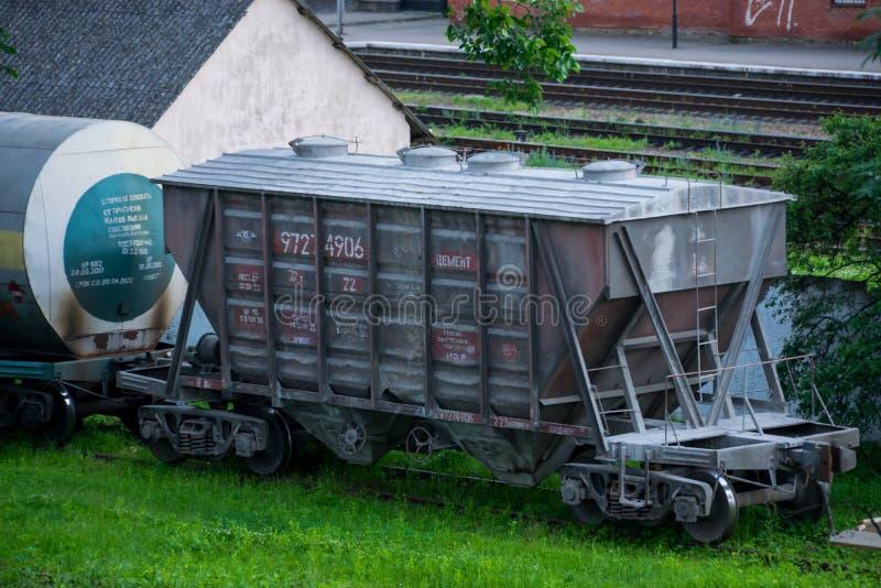 Carro do funil da estrada de ferro ucraniana imagens de stock