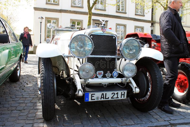 Carro do oldtimer de Alvis em Kettwig, distrito de Essen foto de stock royalty free