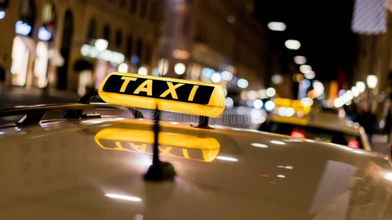 Carro do táxi fotografia de stock royalty free