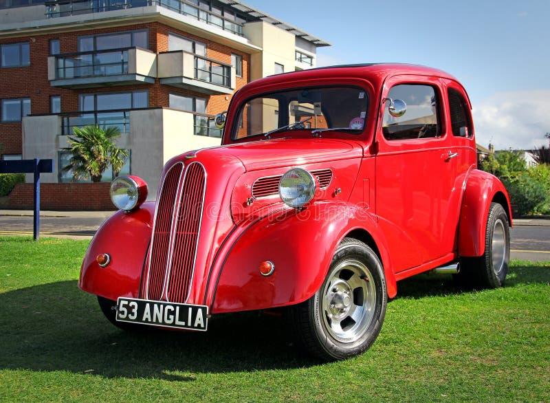 Carro do vintage do anglia do baixio de Ingleses imagens de stock royalty free