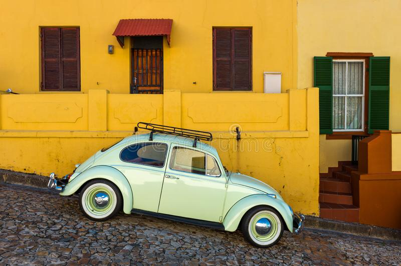 Carro do vintage no distrito da BO Kaap, Cape Town, África do Sul fotografia de stock