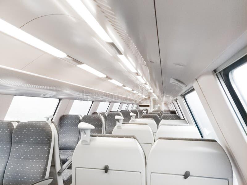 Carro ferroviario moderno fotos de archivo