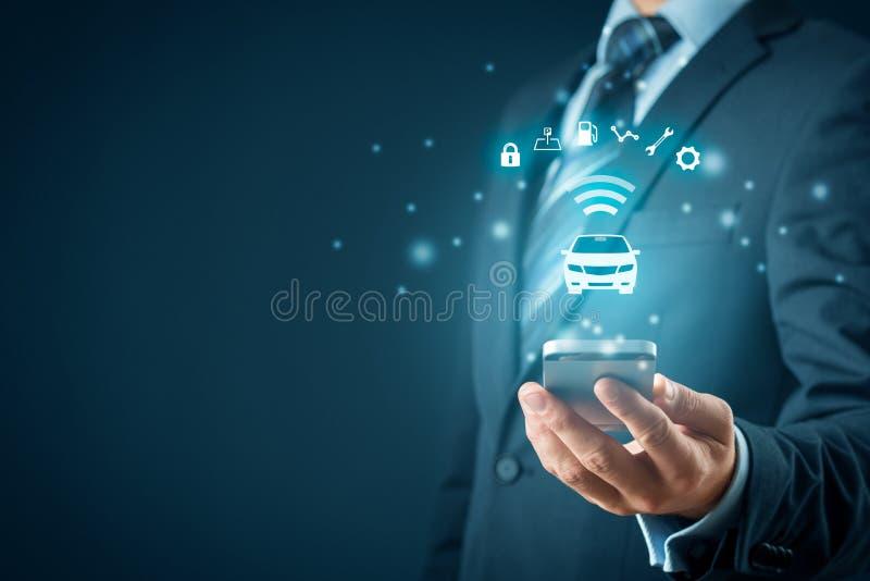 Carro inteligente e app esperto do telefone