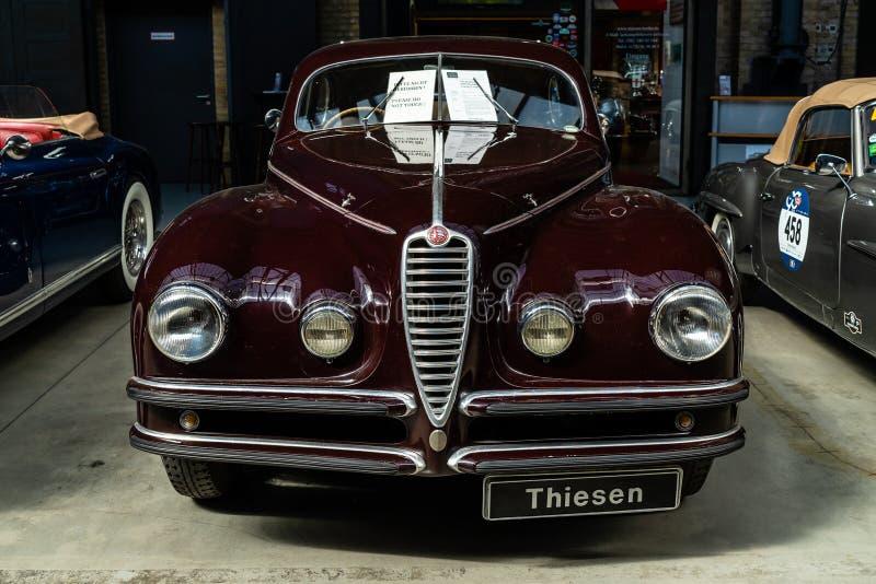 Carro luxuoso Alfa Romeo 6C 2500 S Berlinetta que visita Cupê, 1947 foto de stock royalty free