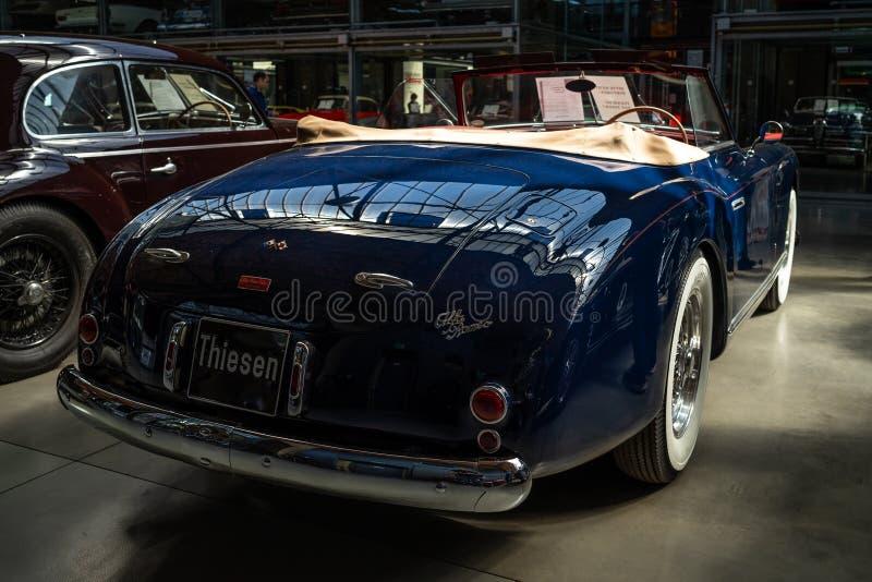 Carro luxuoso Alfa Romeo 6C 2500 SS Cabriolet, 1949 imagens de stock