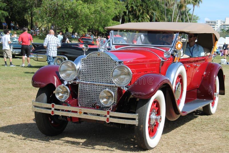 Carro luxuoso americano antigo conduzido fotografia de stock royalty free