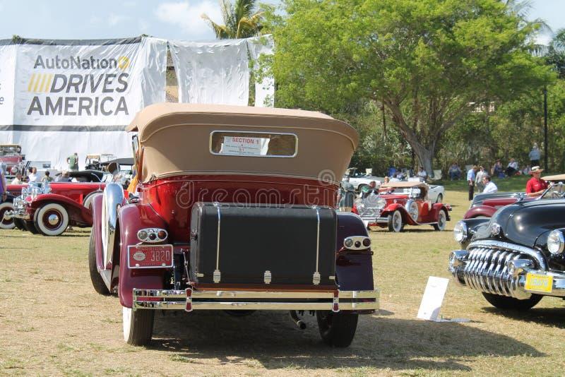 Carro luxuoso americano antigo conduzido fotos de stock royalty free