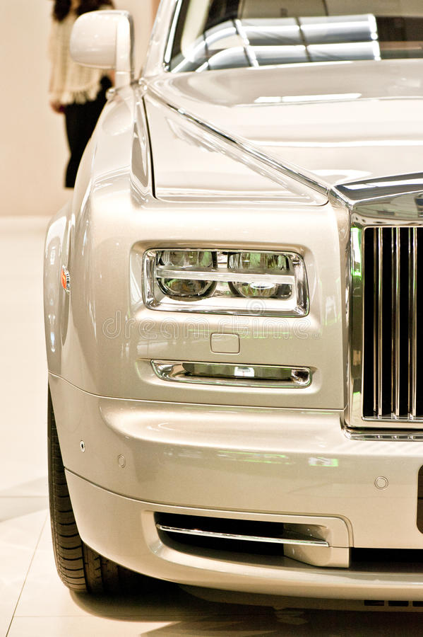Carro luxuoso novo imagens de stock royalty free