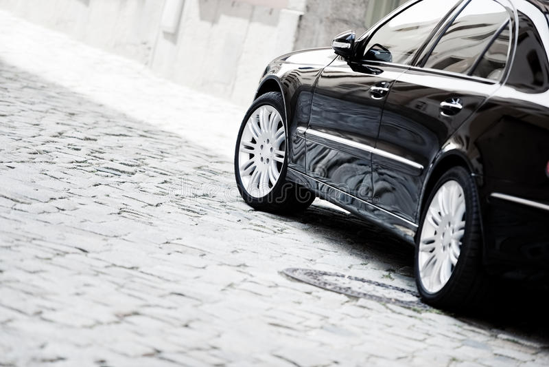 Carro luxuoso preto imagem de stock royalty free