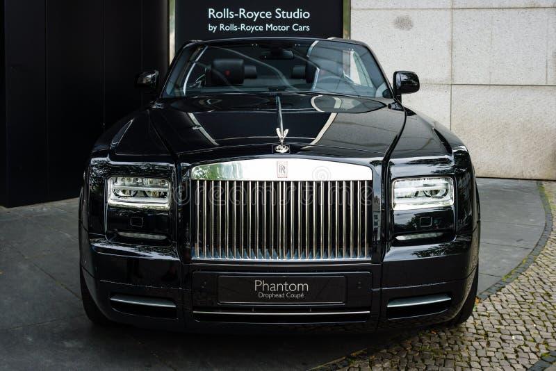 Carro luxuoso Rolls royce Phantom Drophead Coupe (desde 2007) foto de stock royalty free