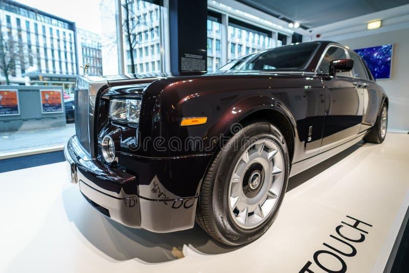 Carro luxuoso sem redução Rolls-Royce Phantom VII fotos de stock royalty free
