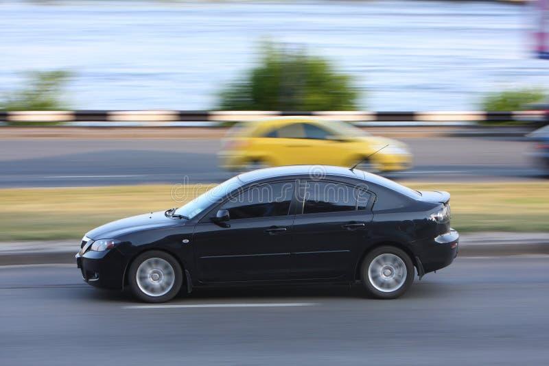 Carro na estrada imagem de stock royalty free