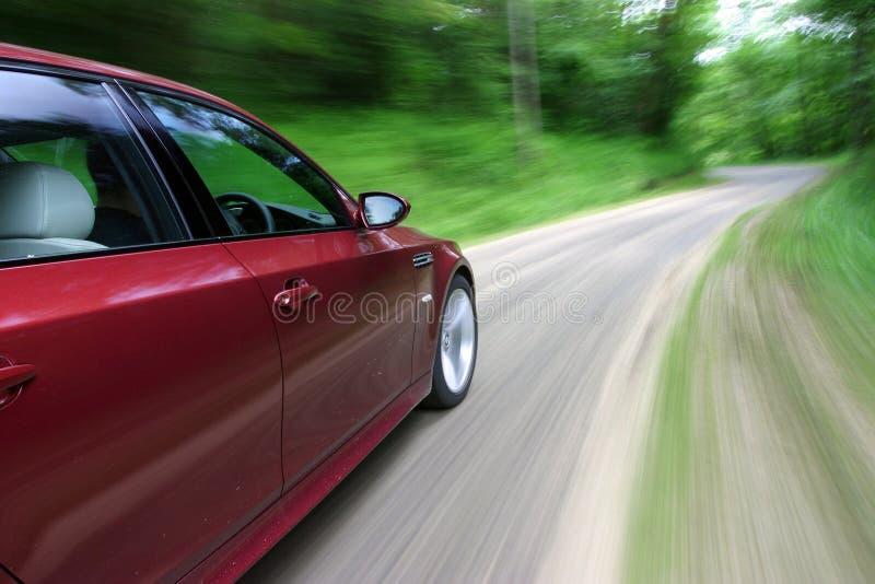 Carro no movimento