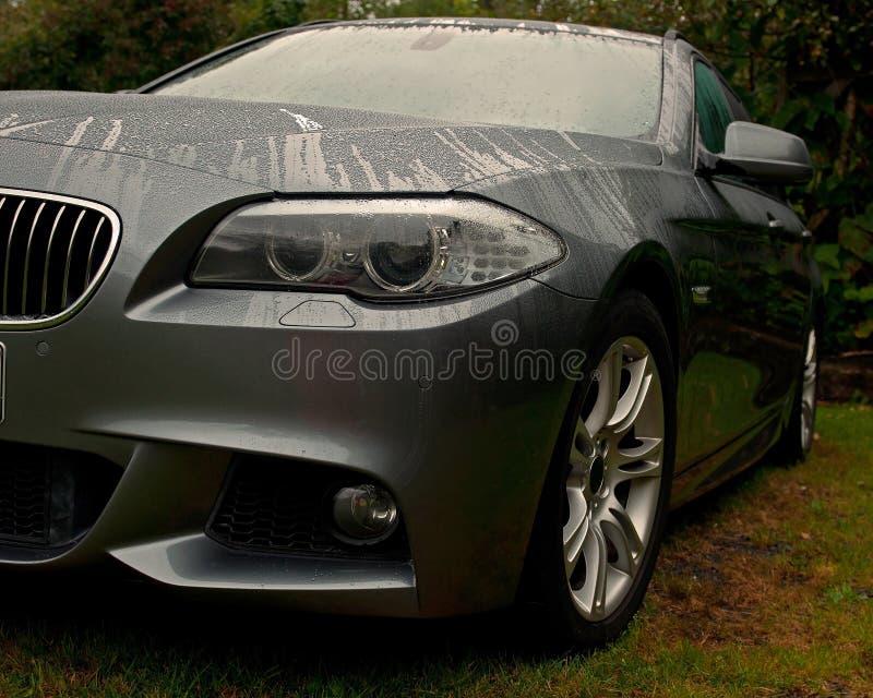 Carro novo BMW 525 fotos de stock