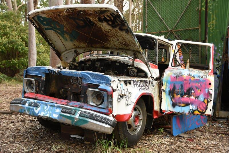 Carro oxidado viejo imágenes de archivo libres de regalías