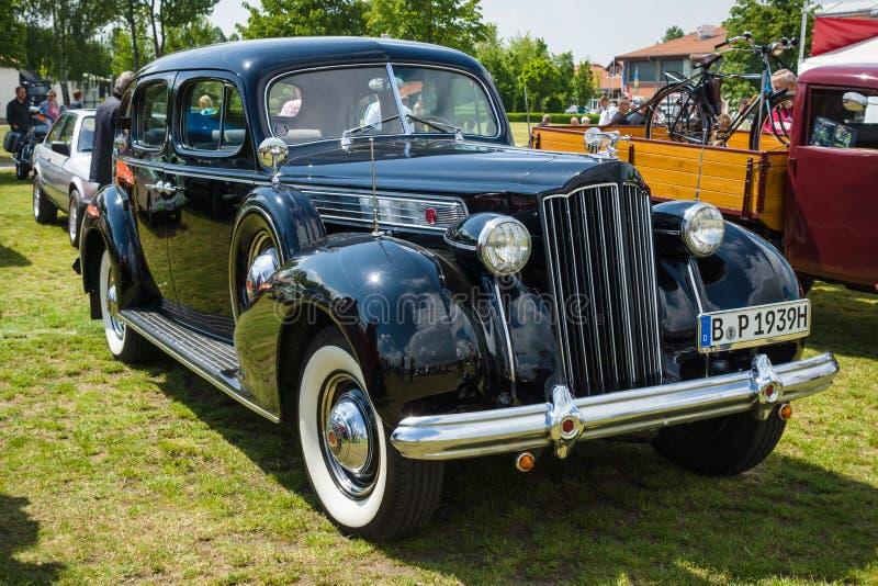 Carro Packard oito super do vintage fotografia de stock royalty free