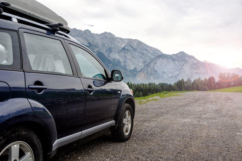 Download Carro para viajar foto de stock. Imagem de carro, outdoor - 107529548