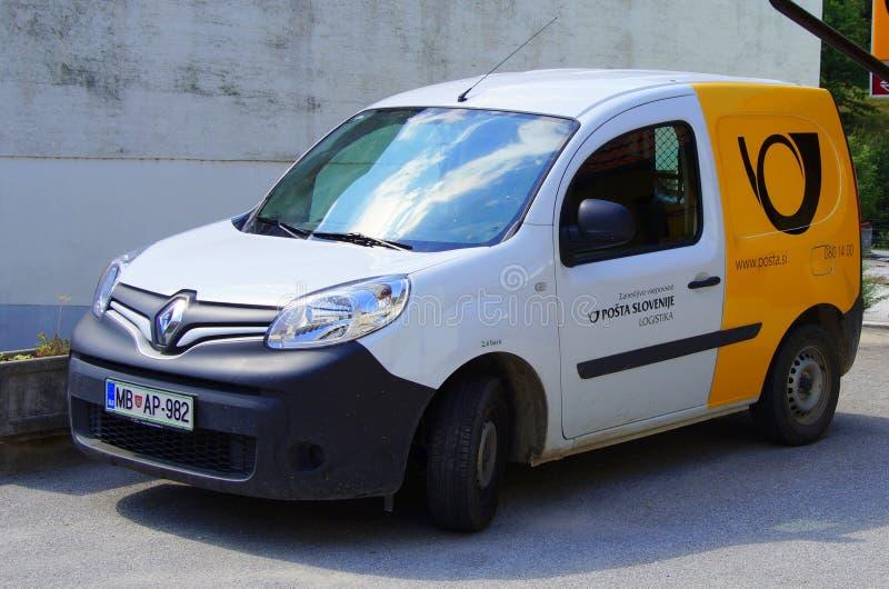 Carro postal esloveno, o cargo de Eslovênia foto de stock