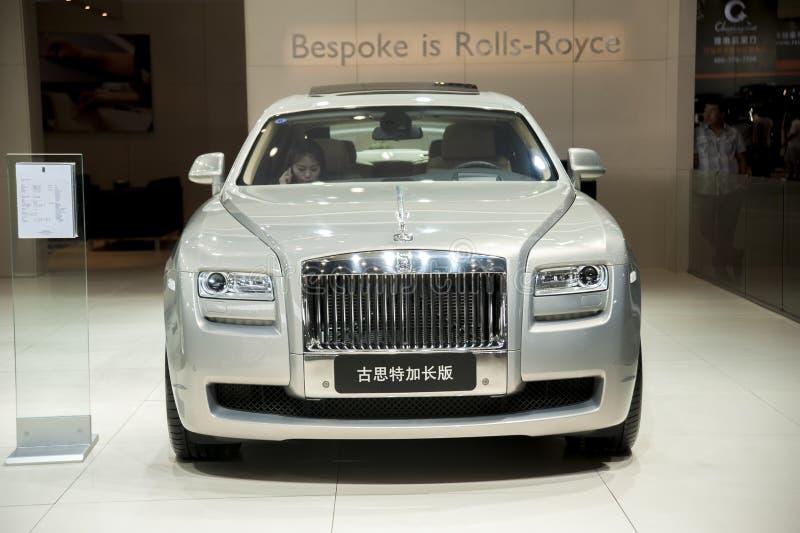 Carro prolongado da edição do gusteau cinzento de rolls royce fotografia de stock royalty free