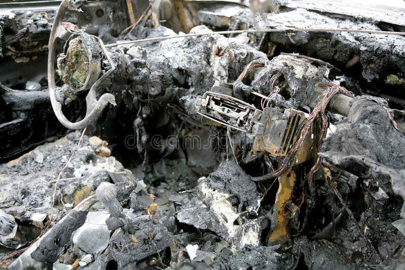 Carro queimado fotos de stock