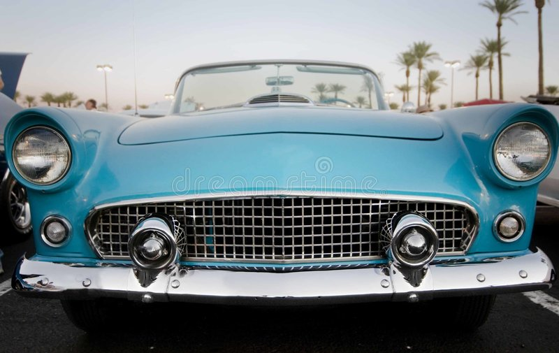 Carro restaurado americano clássico foto de stock