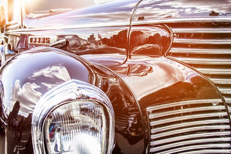 Carro retro Close-up dos faróis do carro do vintage exhibition Vint imagens de stock royalty free