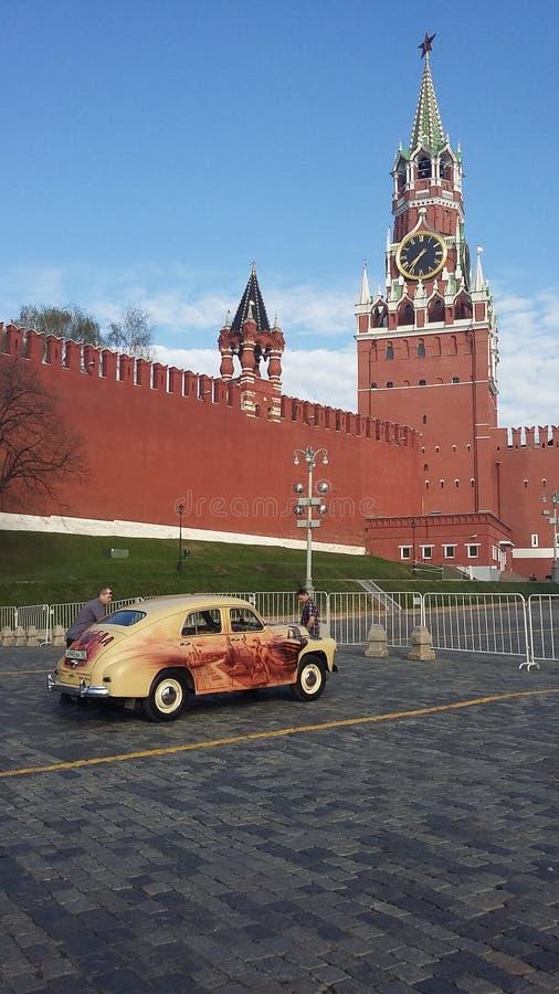 Carro retro kremlin foto de stock royalty free