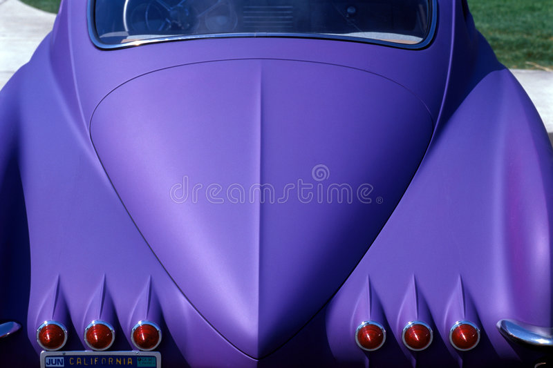 Carro roxo fotografia de stock royalty free