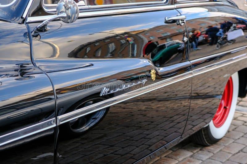 Carro velho Mercury Monterey de Helsínquia, Finlandia foto de stock