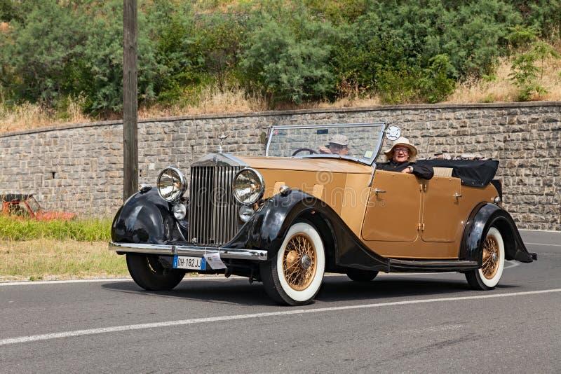 Carro velho Rolls royce fotografia de stock royalty free