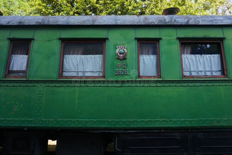 Carro verde viejo de Gori Stalin fotografía de archivo libre de regalías