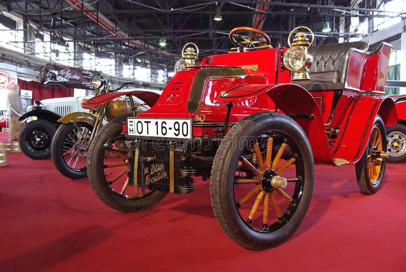 Carro vermelho do oldtimer foto de stock