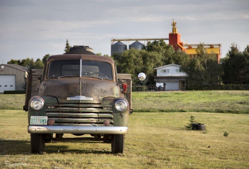 Carro viejo de la vendimia fotografía de archivo libre de regalías
