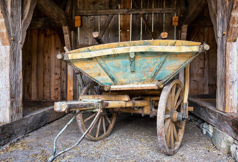 Carro viejo del heno foto de archivo libre de regalías