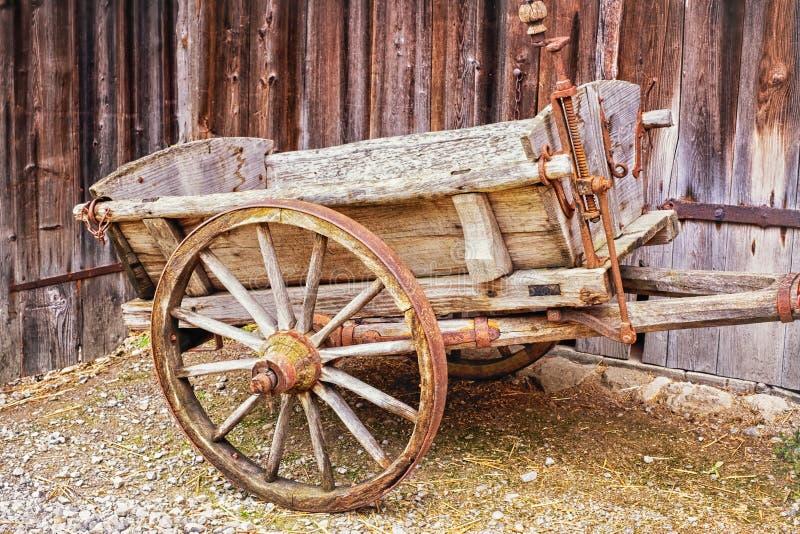Carro viejo del heno imágenes de archivo libres de regalías
