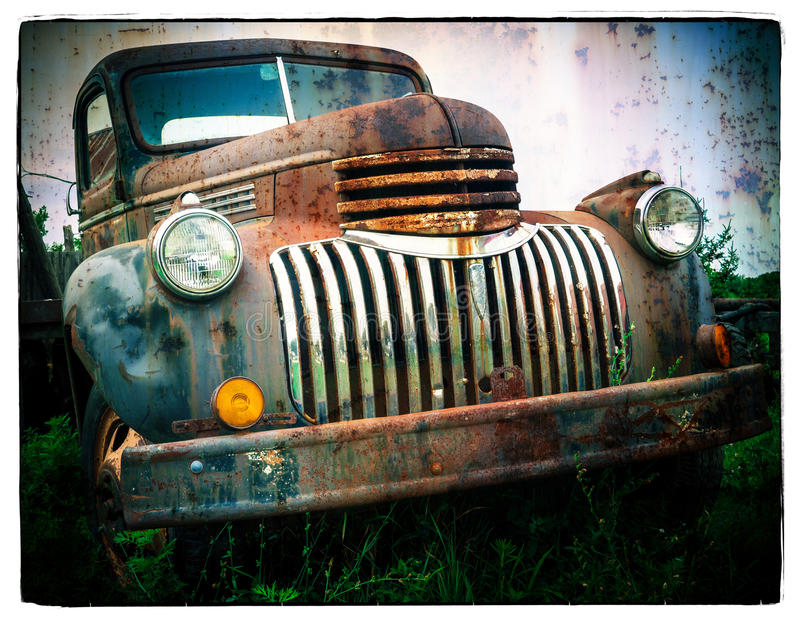 Carro viejo oxidado fotos de archivo libres de regalías