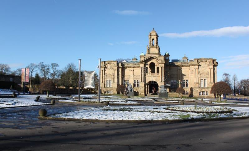 Carroceiro Hall Art Gallery no parque do Lister em Bradford, Inglaterra foto de stock