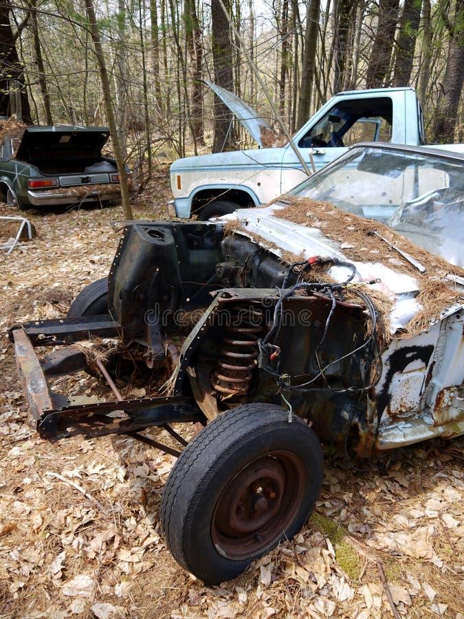 Carros abandonados: motor roubado v fotografia de stock